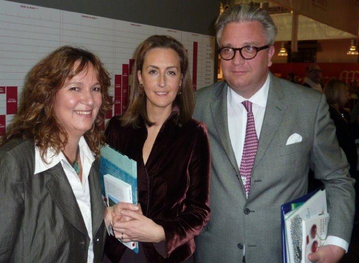 Avec le Prince Laurent et la Princesse Claire au salon du livre